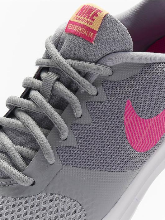 Nike Baskets Flex Essential TR gris