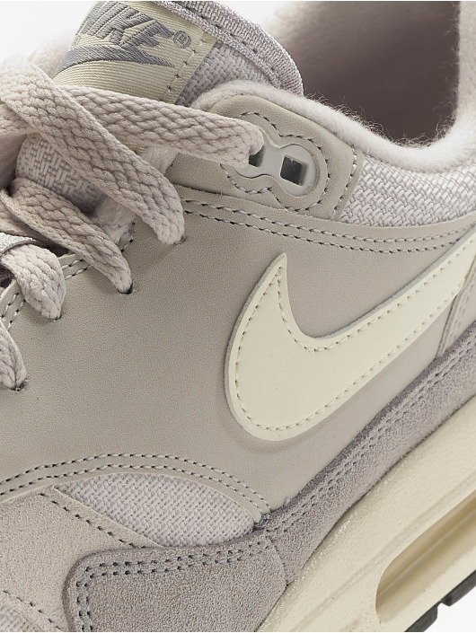 Nike Baskets Air Max 1 gris