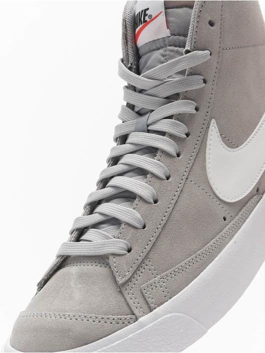 Nike Baskets Blazer Mid '77 Suede gris