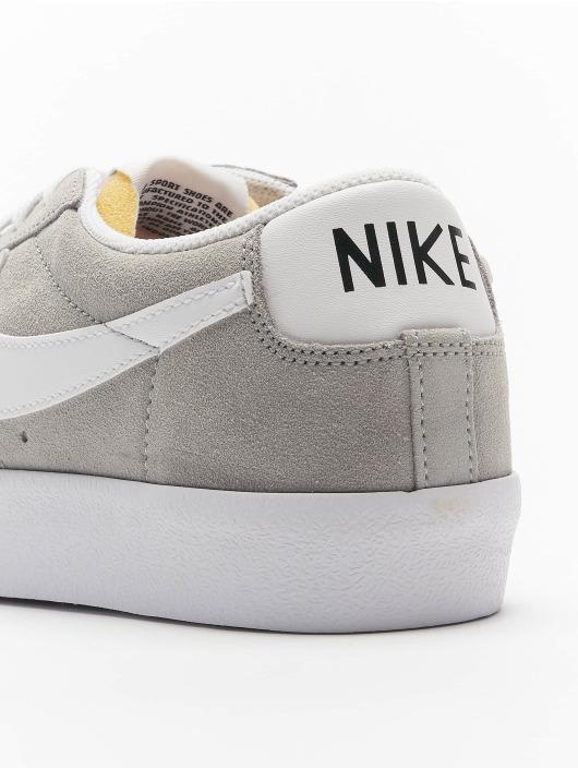 Nike Baskets Blazer Low '77 SUEDE gris