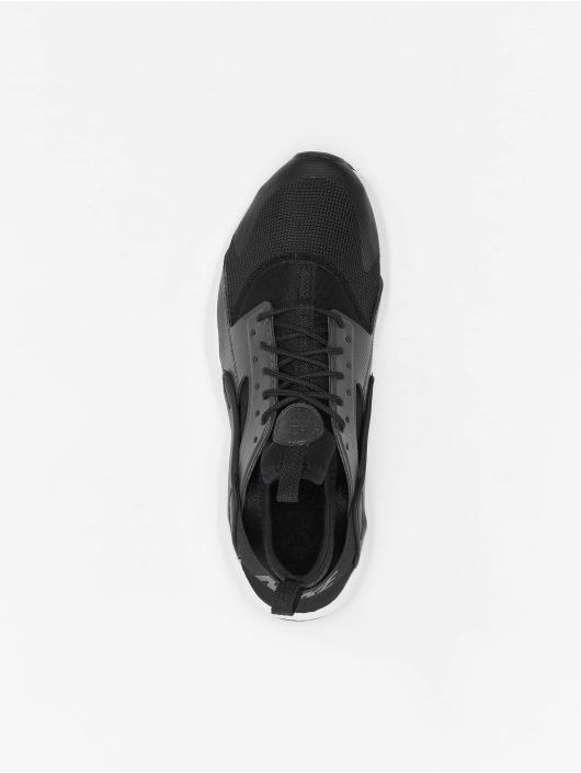 Nike Baskets Huarache Run Ultra EP GS noir