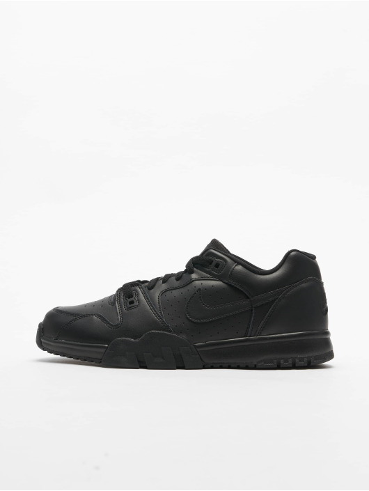 Nike Baskets Cross Trainer Low noir