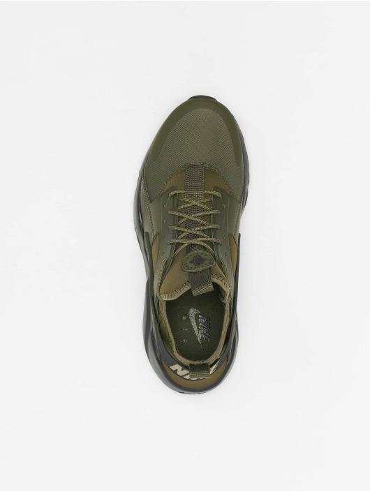 Nike Baskets Air Huarache RN Ultra olive