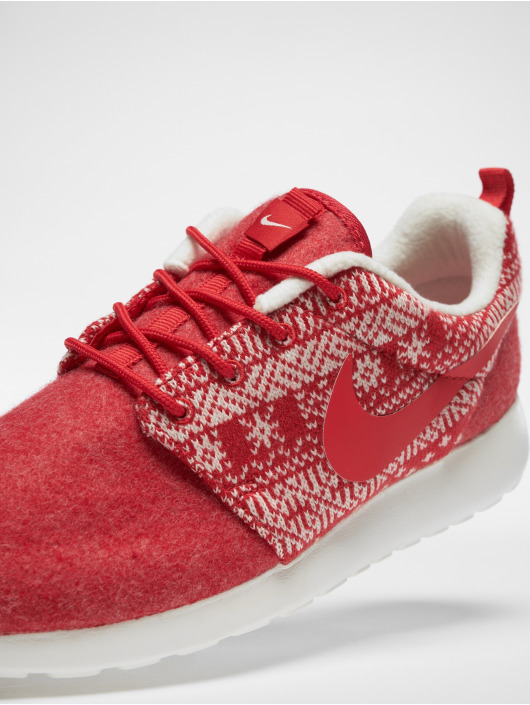 pas mal 11998 b6a48 Nike WMNS Rosherun Sneakers Winter/University Red