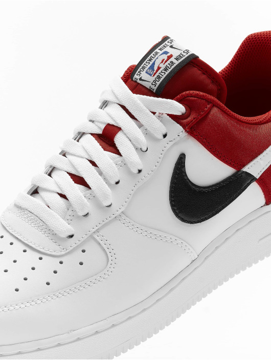 Nike Baskets Air Force 1 '07 LV8 1 rouge