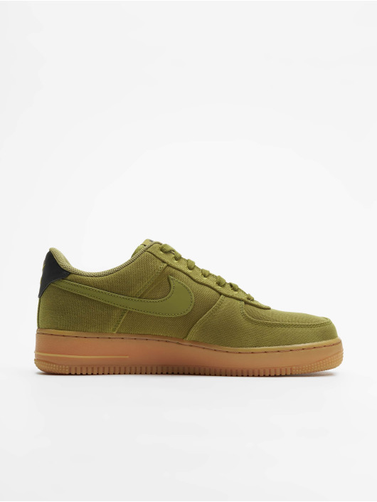 Nike Baskets Air Force 1 07 LV8 Style vert