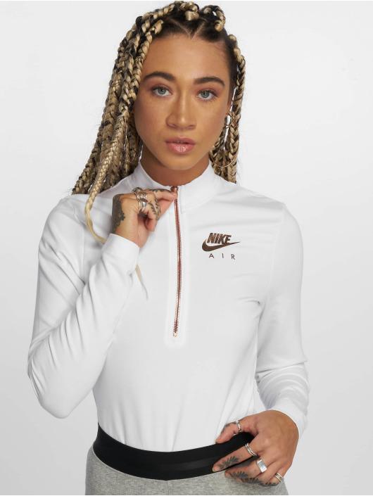 Nike Body Sportswear weiß