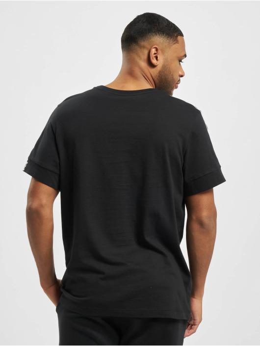 Nike Camiseta M Nsw Repeat Ss negro