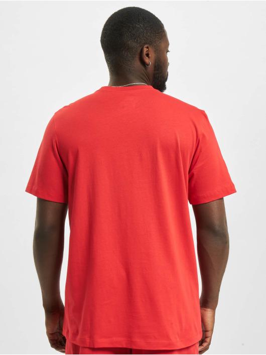 Nike Camiseta M Nsw Club rojo