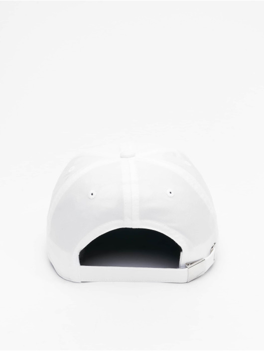 Nike Casquette Snapback & Strapback Metal Swoosh Fitted blanc