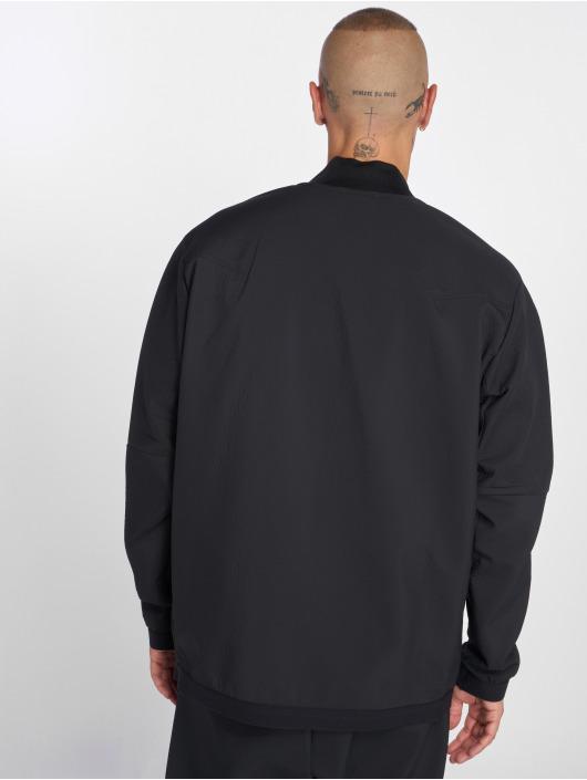 Nike Chaqueta de entretiempo Sportswear Tech Pack negro