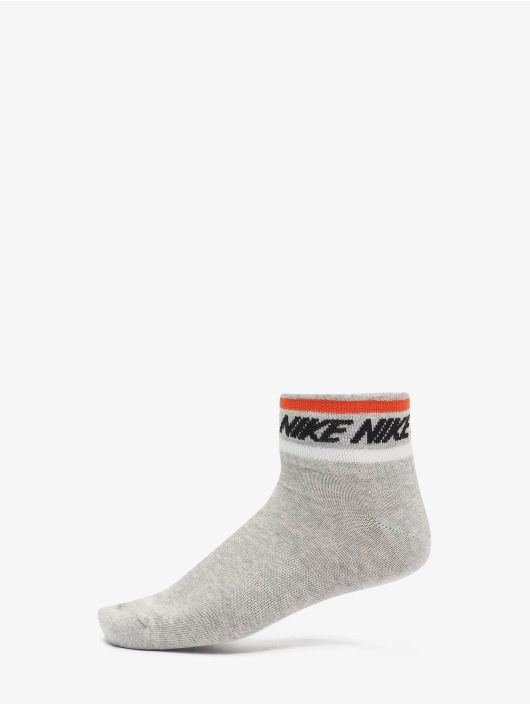 Nike Chaussettes Everyday Essential Ankle 3-Pack gris