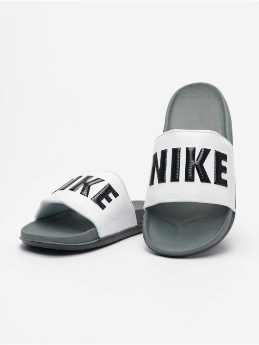 Nike Claquettes & Sandales Offcourt gris