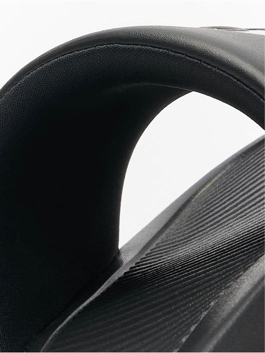 Nike Claquettes & Sandales Victori One noir