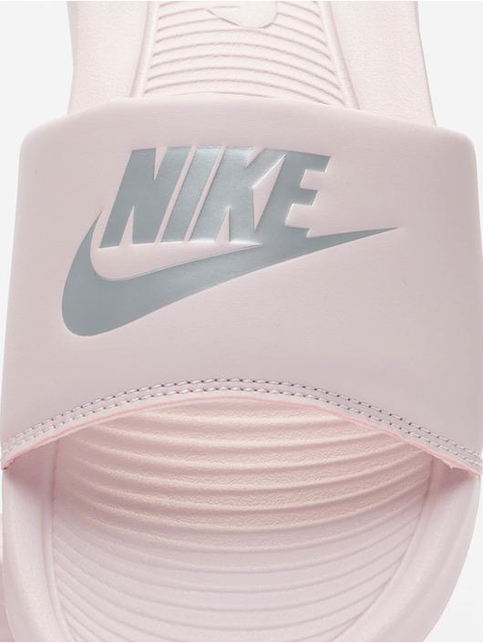 Nike Claquettes & Sandales W Victori One Slide rose