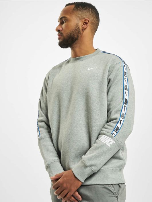Nike Gensre Repeat Fleece Crew BB grå