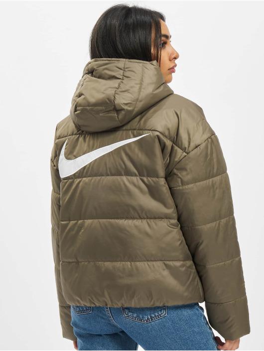 Nike Gewatteerde jassen Classic olijfgroen