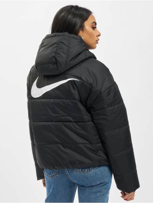 Nike Gewatteerde jassen Classic zwart