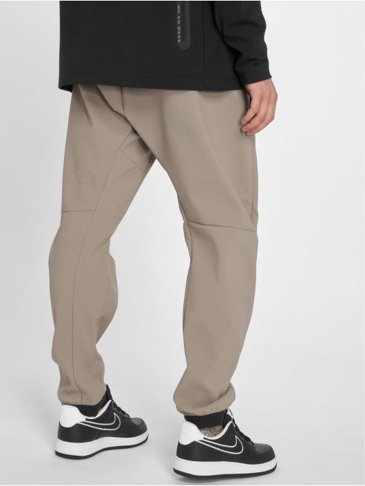 Nike Jogging Sportswear Tech Pack beige