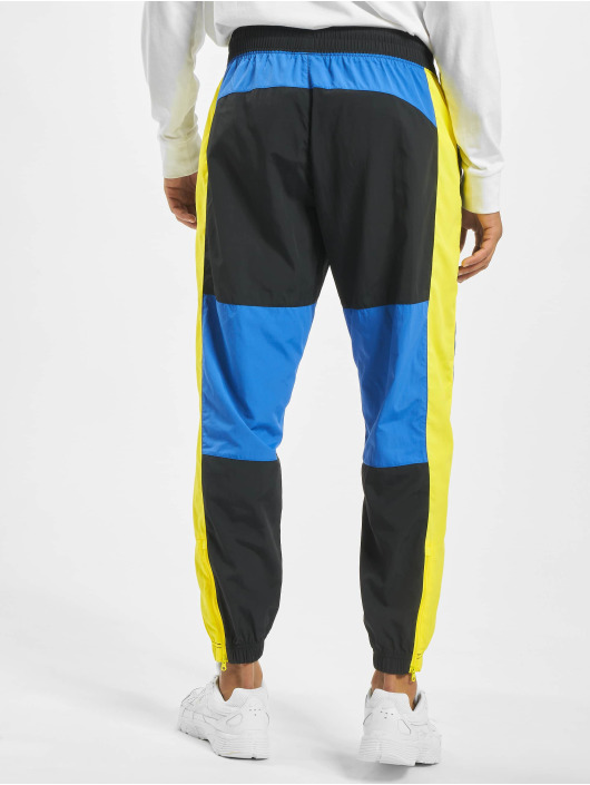 Nike joggingbroek Re-Issue Woven zwart