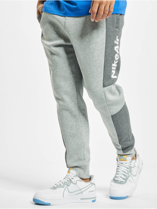 Nike Joggingbyxor Air grå