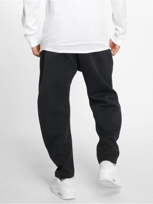 Nike Joggingbyxor Sportswear Tech Fleece svart
