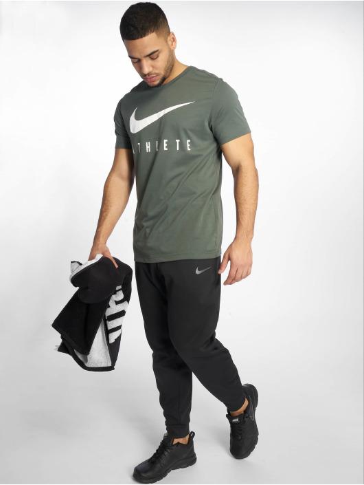 Nike Joggingbyxor Therma svart