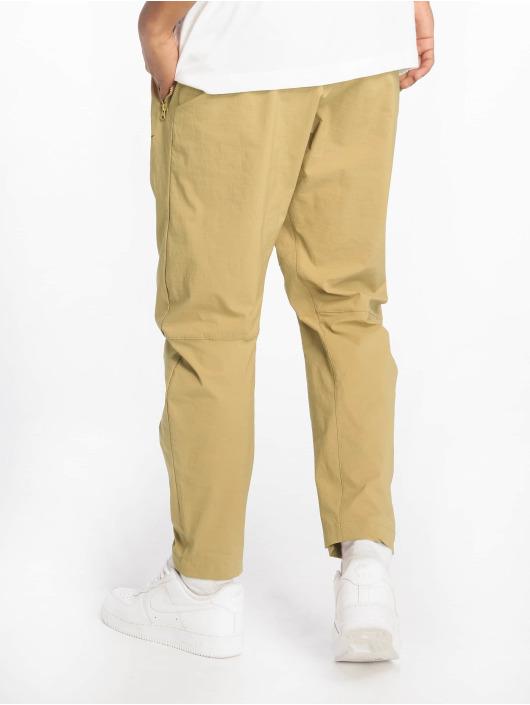 Nike Jogginghose Woven beige