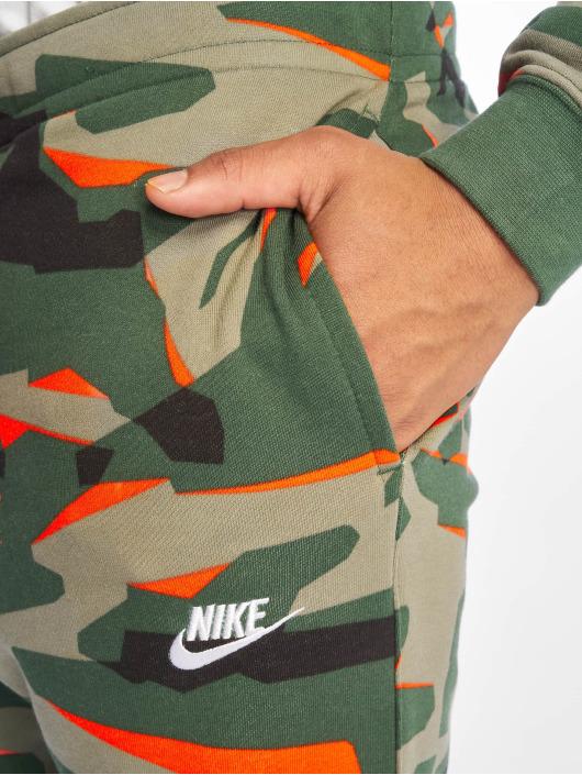 Nike Jogginghose Club Camo FT grün