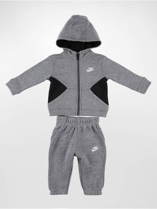 Nike Joggingsæt Core grå