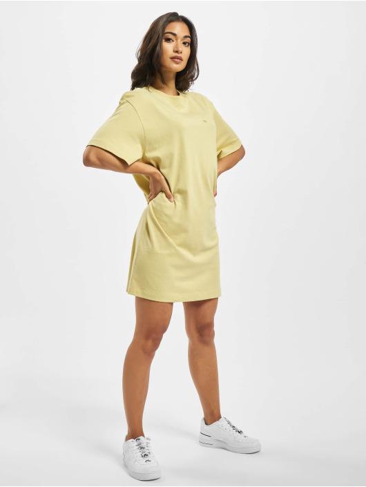 Nike Kleid Essential gelb