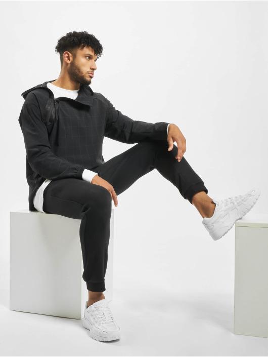 Nike Kurtki przejściowe Tech Pack HD Woven czarny