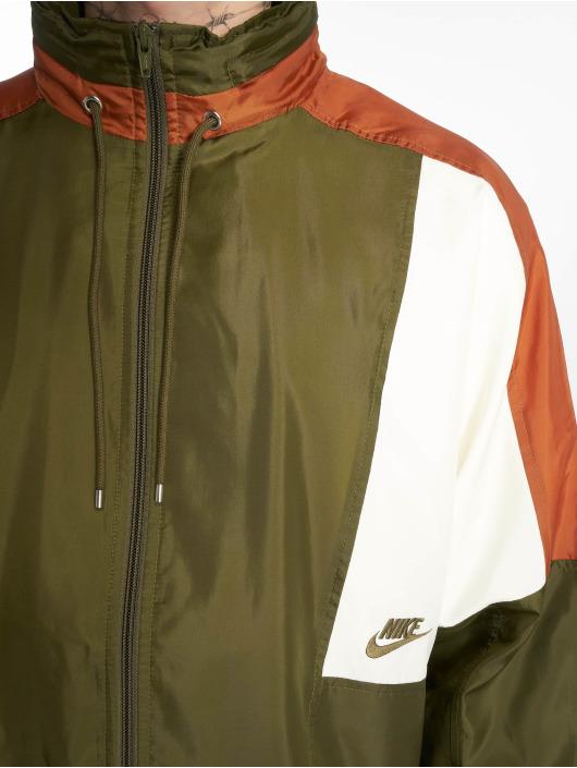 Nike Kurtki przejściowe Sportswear Colorblock oliwkowy