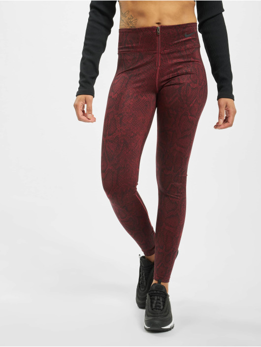 Nike Leggings/Treggings Pythn czerwony