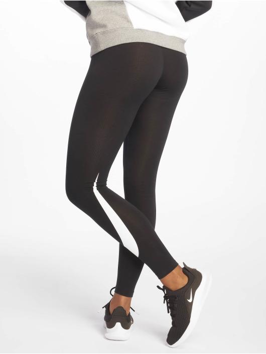 Nike Leggingsit/Treggingsit Sportswear musta