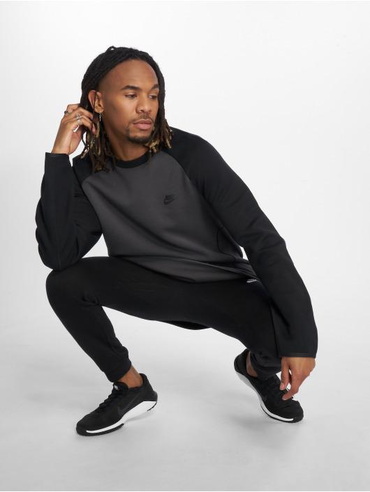 Nike Longsleeve Tech Fleece grau