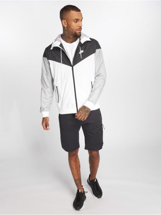 Nike Pantalón cortos Sportswear Tech Pack negro