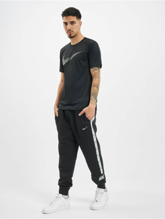 Nike Performance Футболка Dry Tee Leg Camo Swsh черный