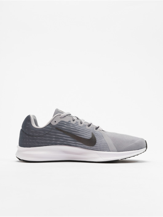Nike Performance Baskets Downshifter VIII gris