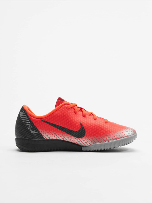 Nike Performance Indoor Jr. Mercurial Vapor XII Academy CR7 IC red
