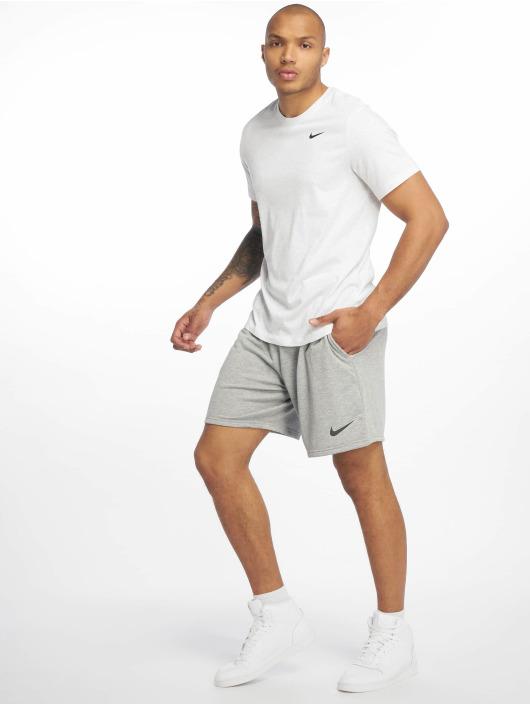 Nike Performance Short de sport Dry gris