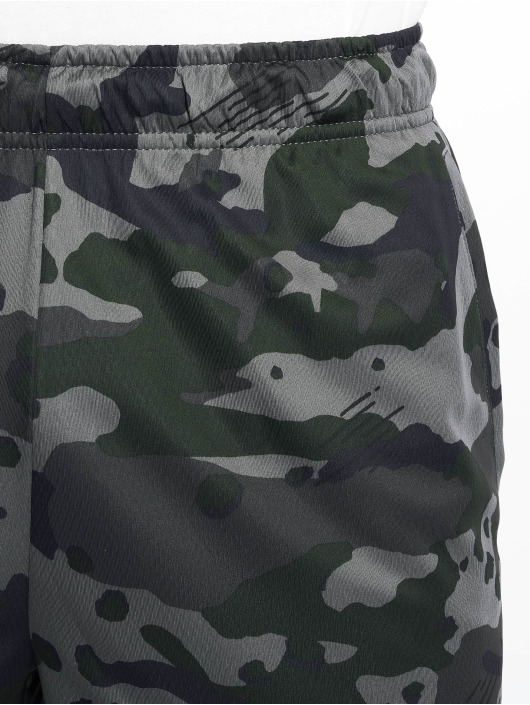 Nike Performance Shorts Dry Camo grau