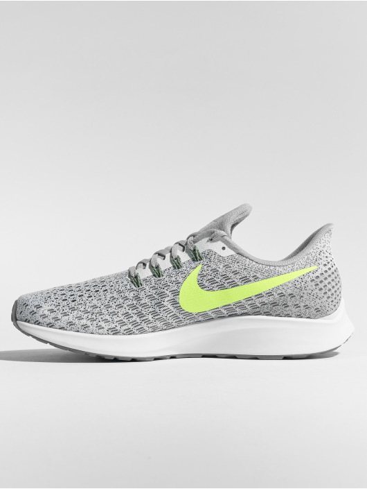 Nike Performance Sneakers Zoom Pegasus 35 bialy