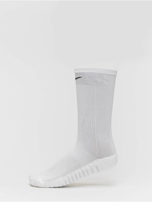 Nike Performance Sukat Squad Crew valkoinen
