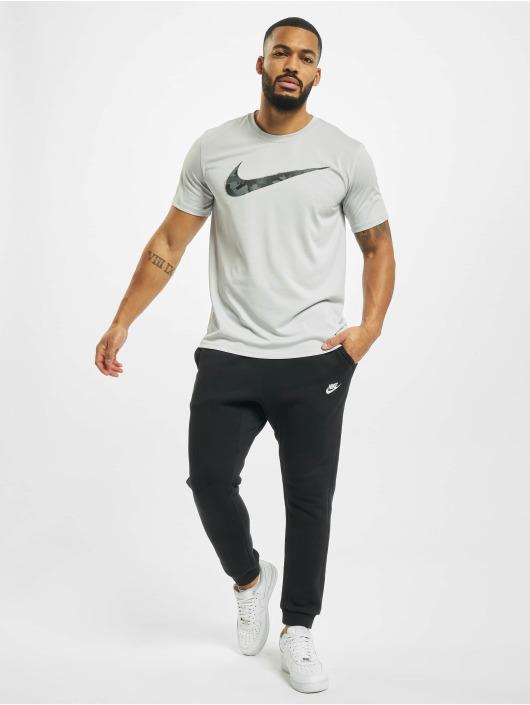 Nike Performance t-shirt Dry Tee Leg Camo Swsh grijs