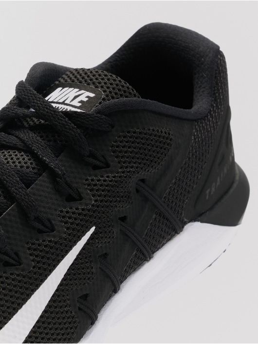 Nike Performance Trainingsschuhe Retaliation Trainer 2 czarny