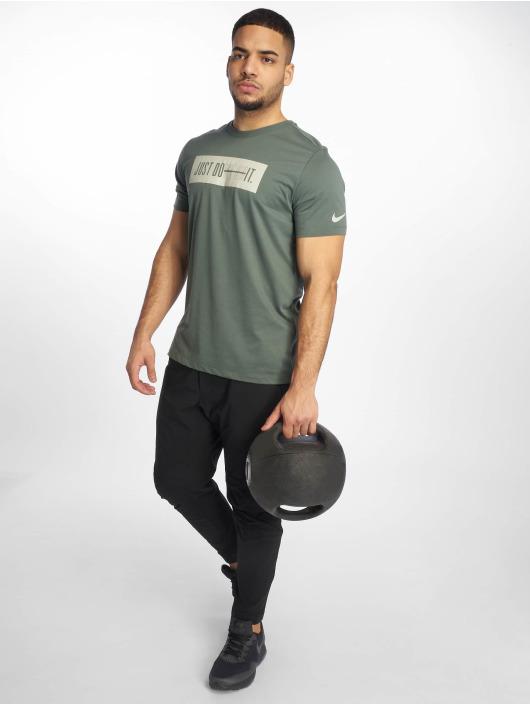Nike Performance Urheilu T-paidat Dri-Fit vihreä