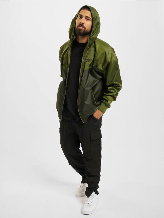 Nike Prechodné vetrovky Woven zelená