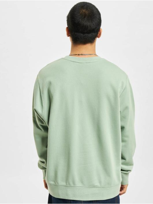 Nike Pullover Club Crew Fit grün