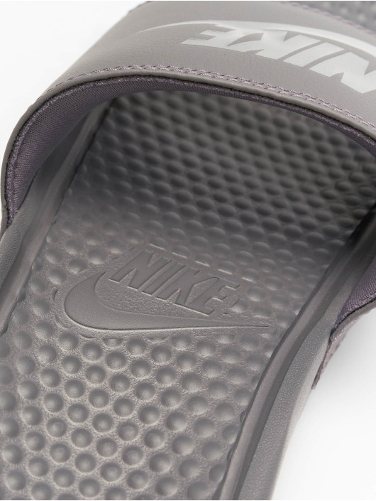 "Nike Sandals Benassi ""just Do It."" grey"